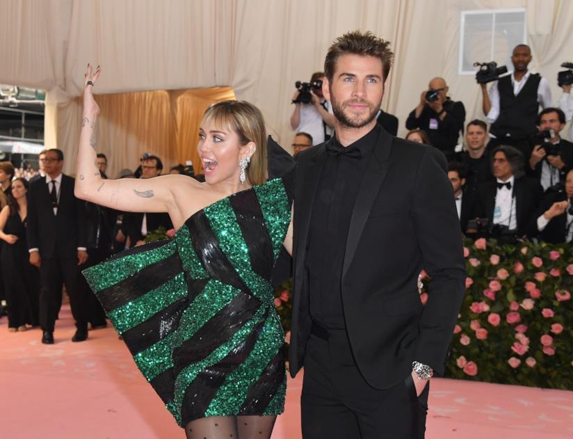 Miley Cyrus e Liam Hemsworth sul red carpet