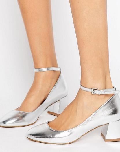 Scarpe metallizzate con laccetto alla caviglia