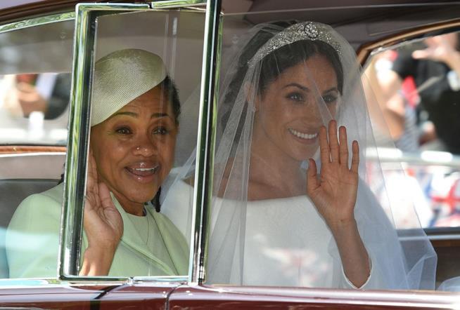 Meghan Markle con la madre Doria al matrimonio