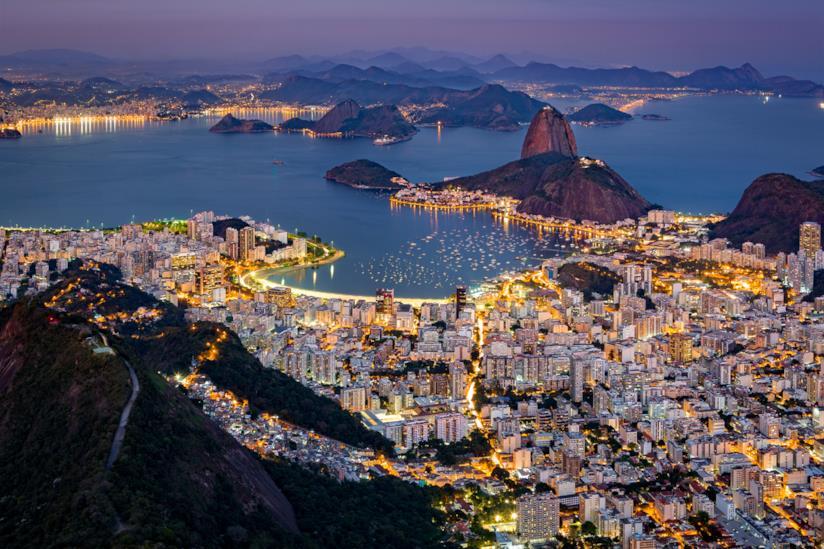 Vista notturna di Rio