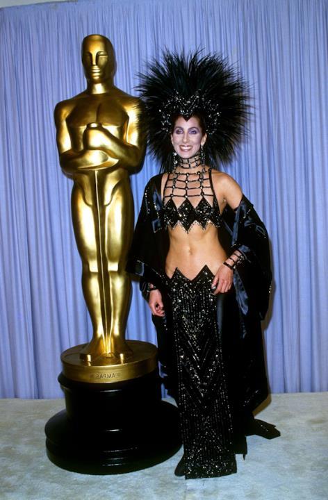 Cher durante la cerimonia 1987 degli Oscar