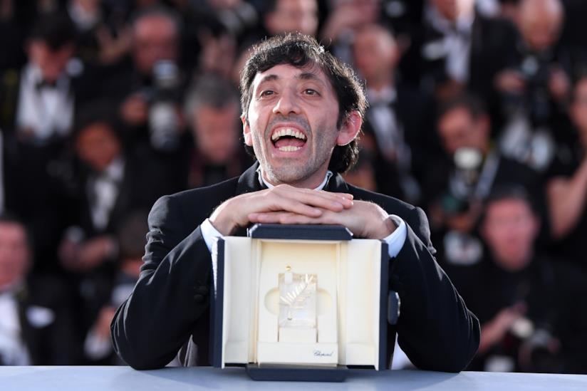 il protagonista di Dogman, Marcello Fonte, a Cannes ritira il premio per l'interpretazione maschile