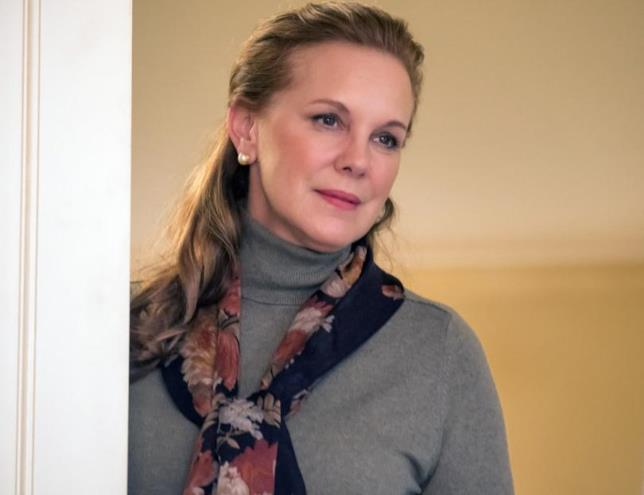 L'attrice Elizabeth Perkins in una scena di This is Us