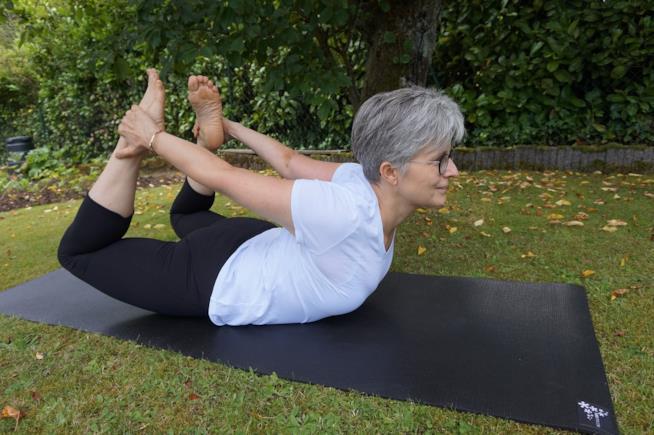 Posizione dell'arco nello yoga