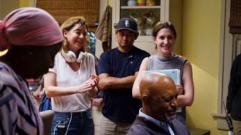 Ecco le foto di Ellen Pompeo alla regia di un episodio della serie Grey's Anatomy