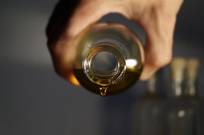Creme, Bio Oil e altri oli naturali per combattere le smagliature
