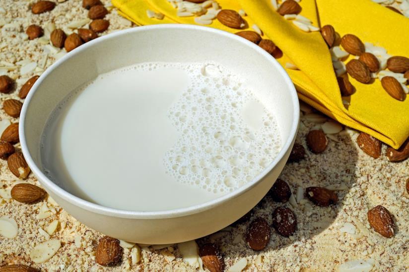 Le proprietà principali del latte di mandorla