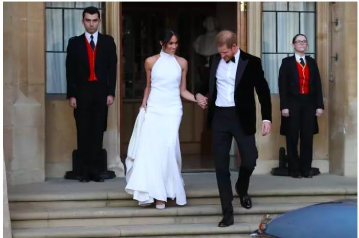 Harry e Meghan verso il party a Frogmore House