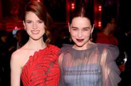 Le attrici Emilia Clarke e Rose Leslie