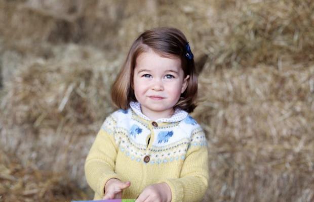 Lo scatto di Charlotte condiviso dalla Famiglia Reale per il suo secondo compleanno