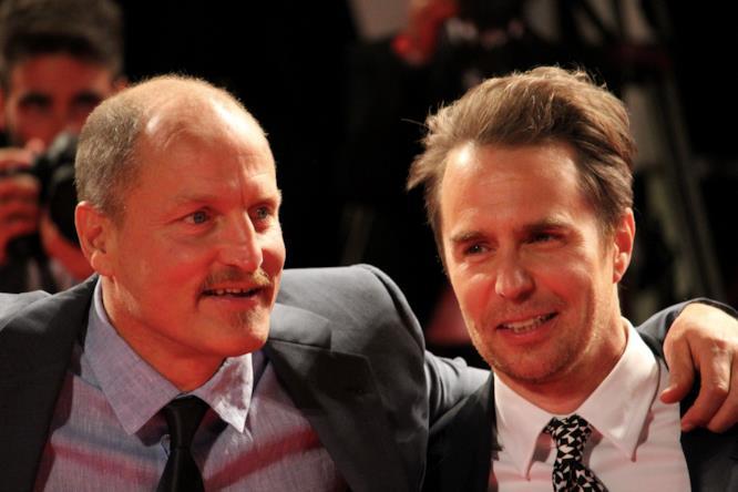 Woody Harrelson e Sam Rockwell sul red carpet di Venezia 74.