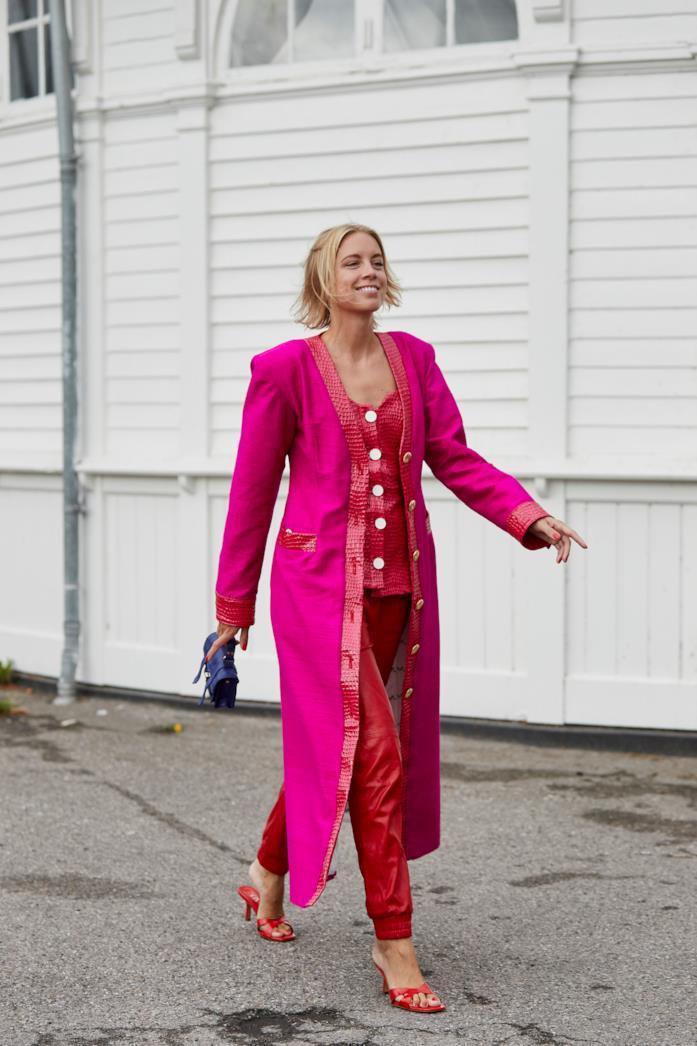 Outfit composto da maniche a sbuffo dallo Street Style di Copenhagen 2019