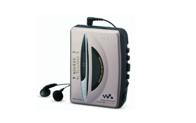 Walkman Sony anni '80 con cuffie