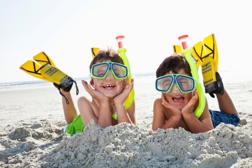 Giochi da spiaggia per bambini: calcio pinnato