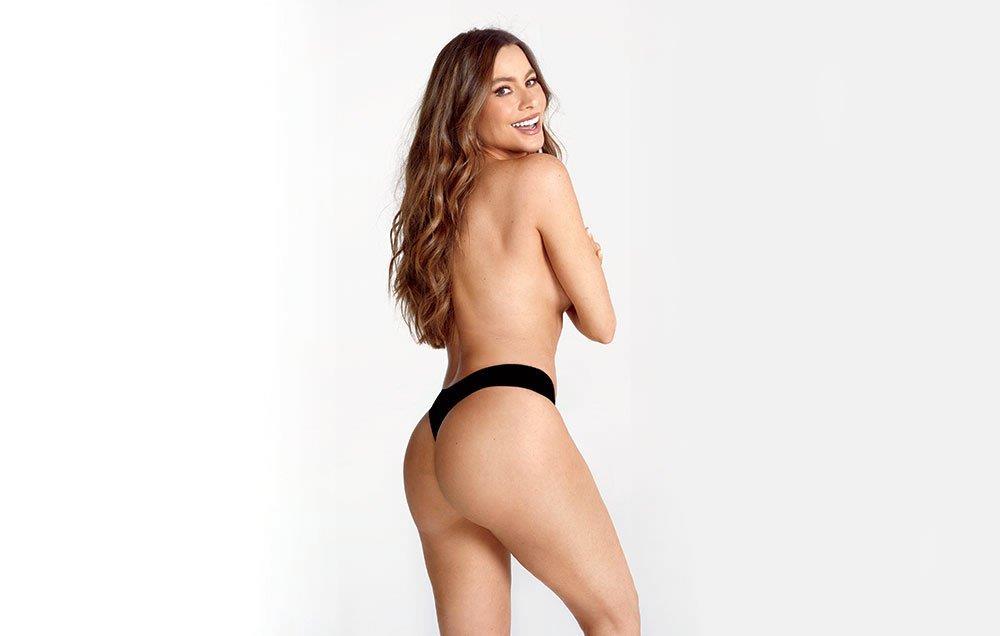 Sofia Vergara nuda con lato B in primo piano