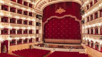 Teatro San Carlo: uno dei più bei teatri al mondo