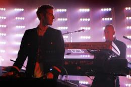 Robert Del Naja durante un concerto dei Massive Attack
