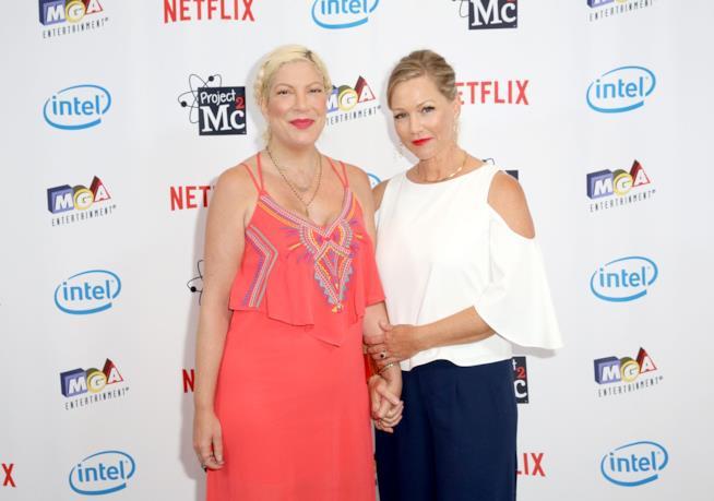 Tori Spelling e Jennie Garth in una recente apparizione insieme
