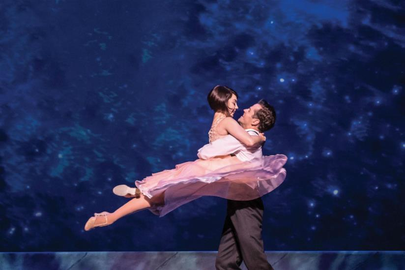Una foto di scena del musical An American In Paris