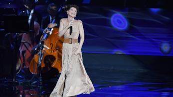 Alessandra Amoroso: il nuovo singolo La stessa anticipa il prossimo album