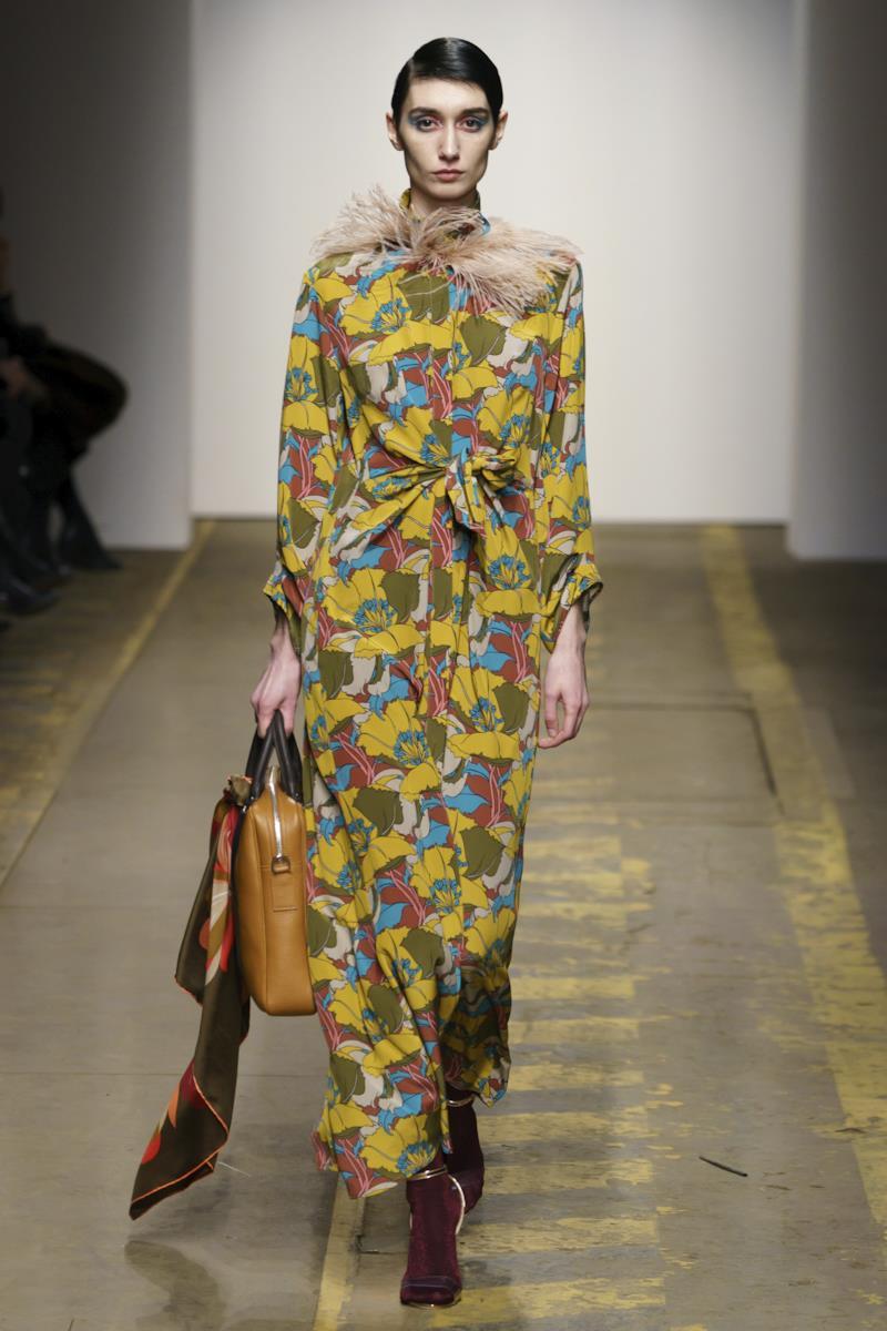 Sfilata MORFOSIS Collezione Alta moda Autunno Inverno 19/20 Roma - 23