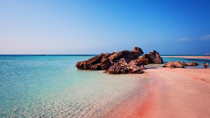Una spiaggia di sabbia della Grecia