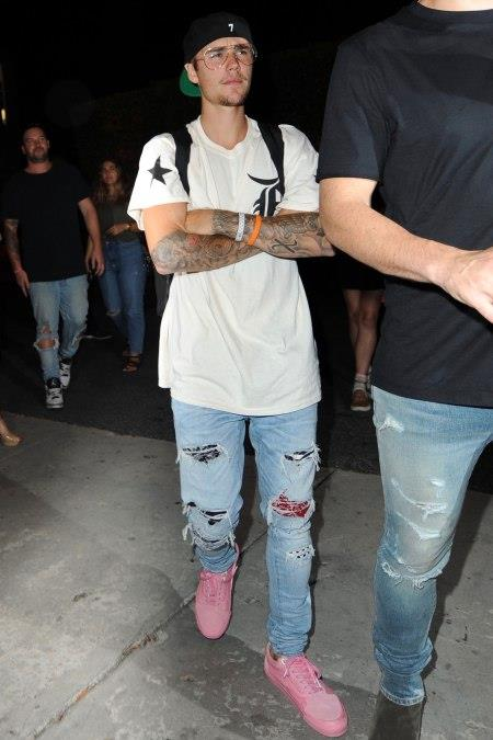 La prima apparizione in pubblico di Justin Bieber dopo l'annuncio del tour cancellato
