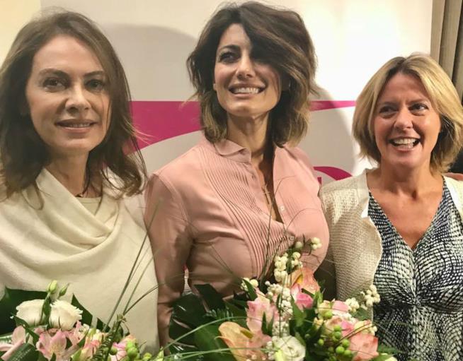 Elena Sofia Ricci, Samanta Togni e il Ministro Lorenzin alla conferenza stampa di Frecciarosa 2017
