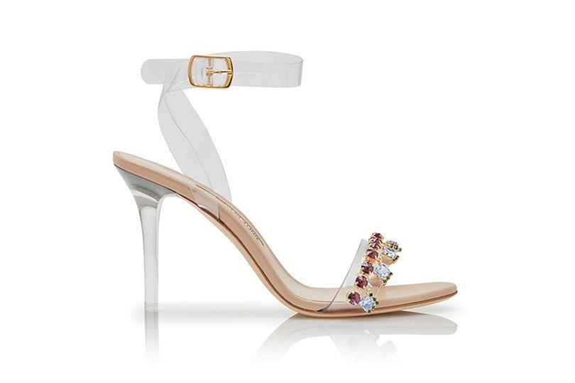 Il modello a tacco alto dei sandali gioiello di Rihanna per Manolo Blahnik