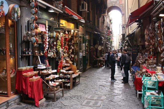 Passeggiando nelle strade di Napoli