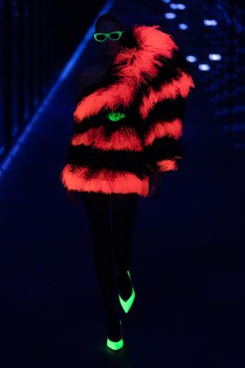 Sfilata SAINT LAURENT Collezione Donna Autunno Inverno 19/20 Parigi - 1