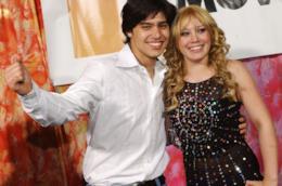 Gli attori Hilary Duff e Yani Gellman