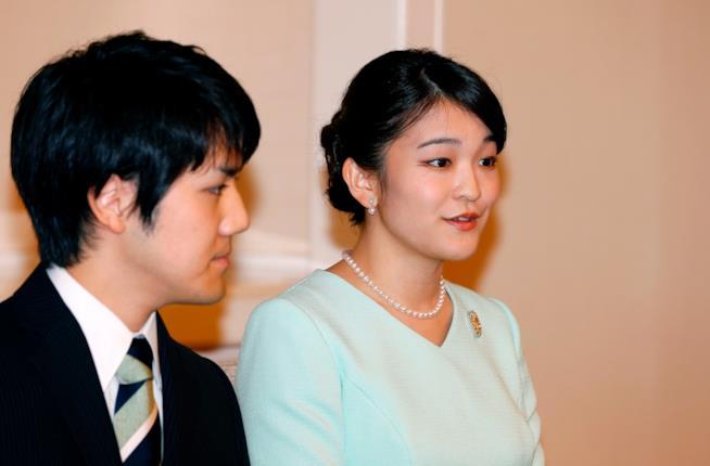 Kei Komuro e Mako, durante l'annuncio del fidanzamento