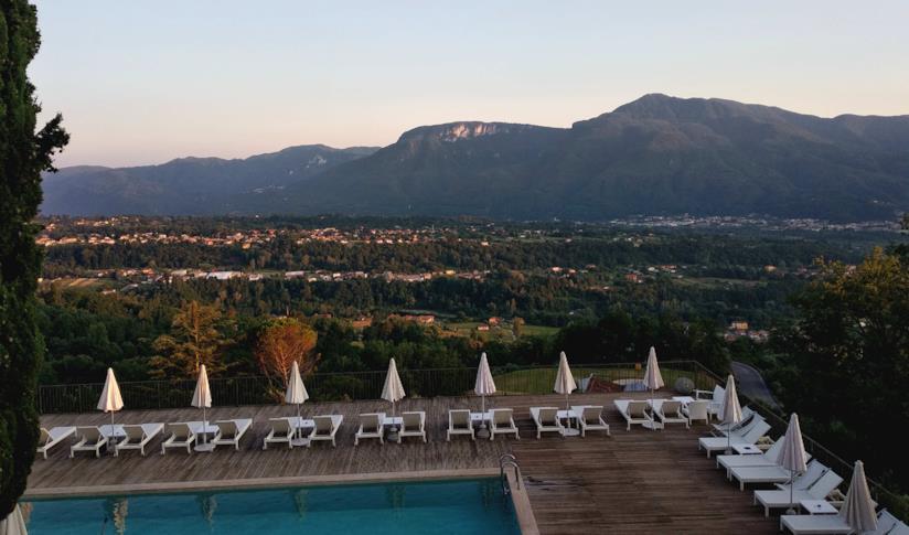Vista dal Renaissance Tuscany Il Ciocco Resort & Spa