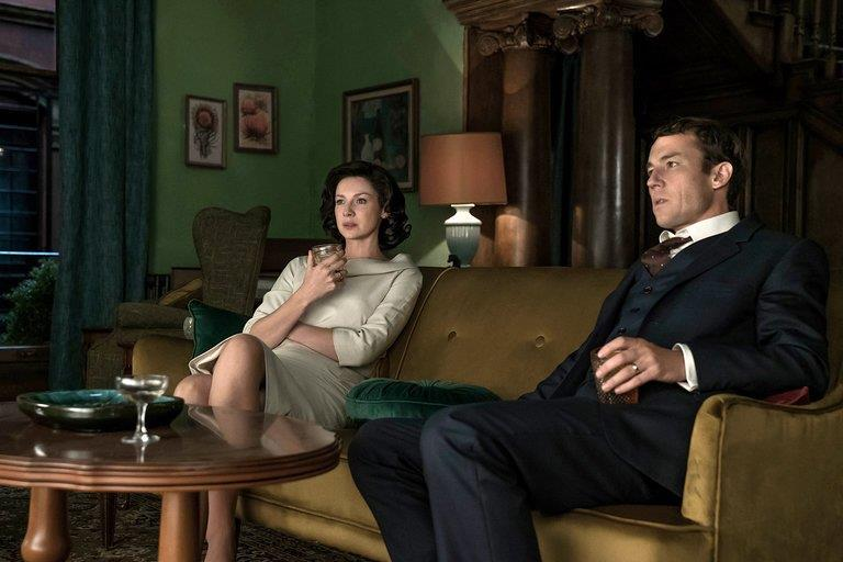 Frank e Claire in silenzio sul divano
