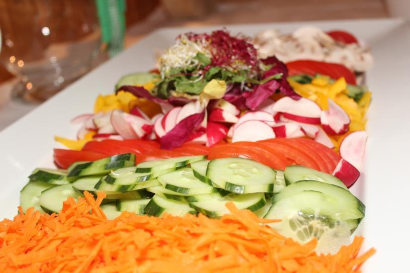 Carote, zucchine e altri tipi di verdura.