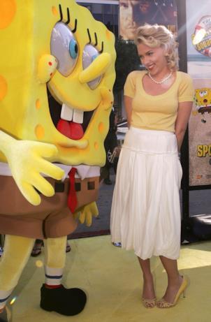 Scarlett Johansson in look sexy nel 2004