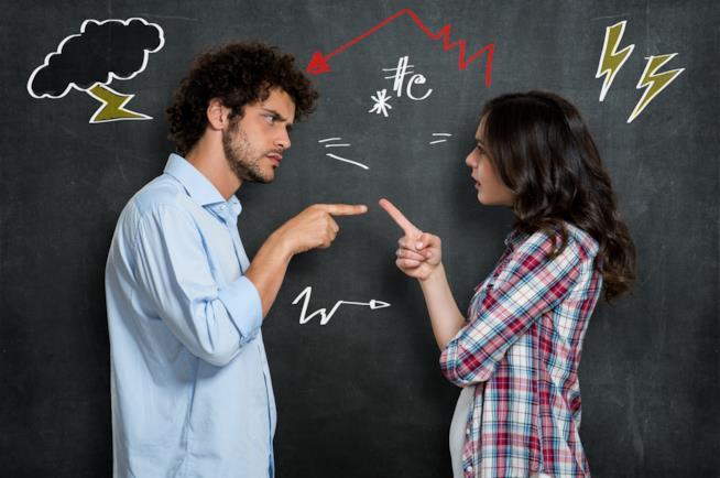 Coppia discute accusandosi a vicenda