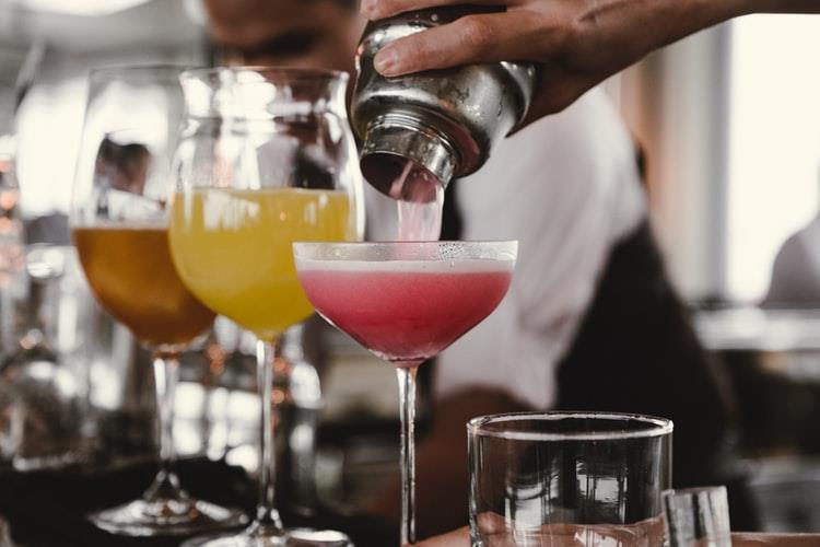 Gli accessori indispensabili per preparare un cocktail
