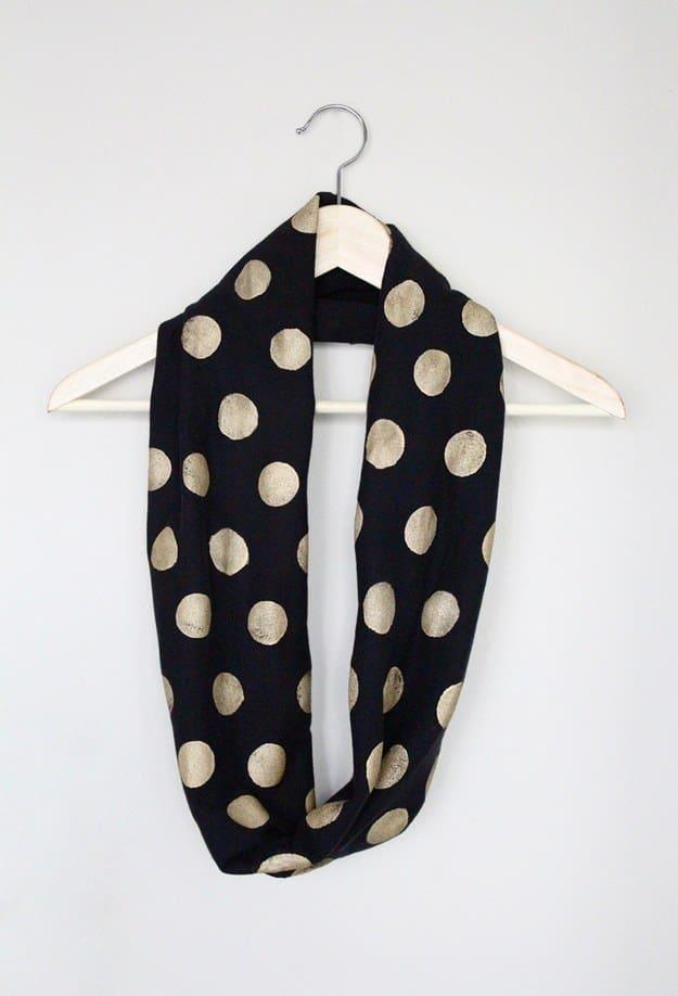 La sciarpa terminata e pronta da indossare