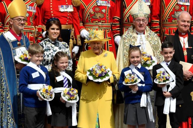 La Regina Elisabetta e la Principessa Eugenia al Maundy Money