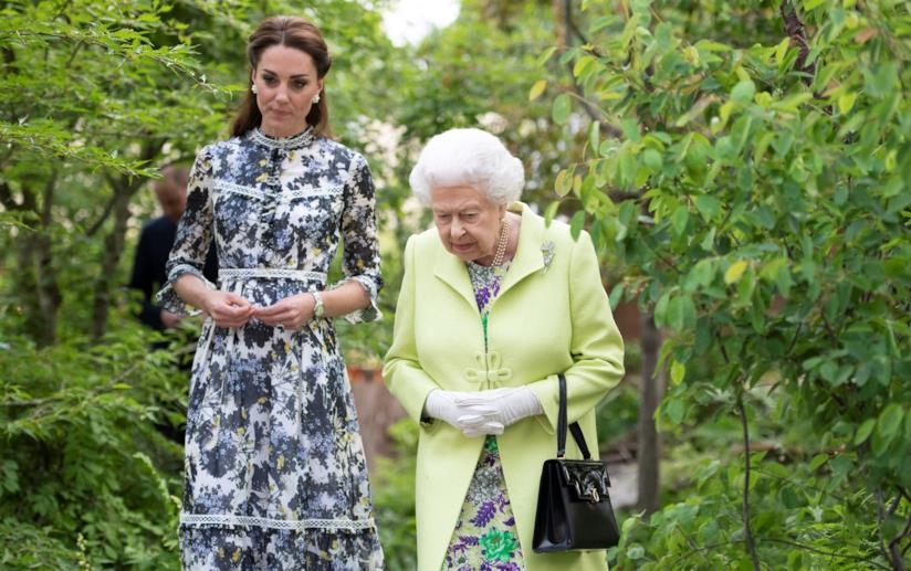 Kate Middleton e la regina a Chelsea Flower Show