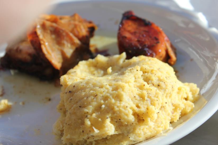 Un piatto tipico di Livigno: la polenta taragna