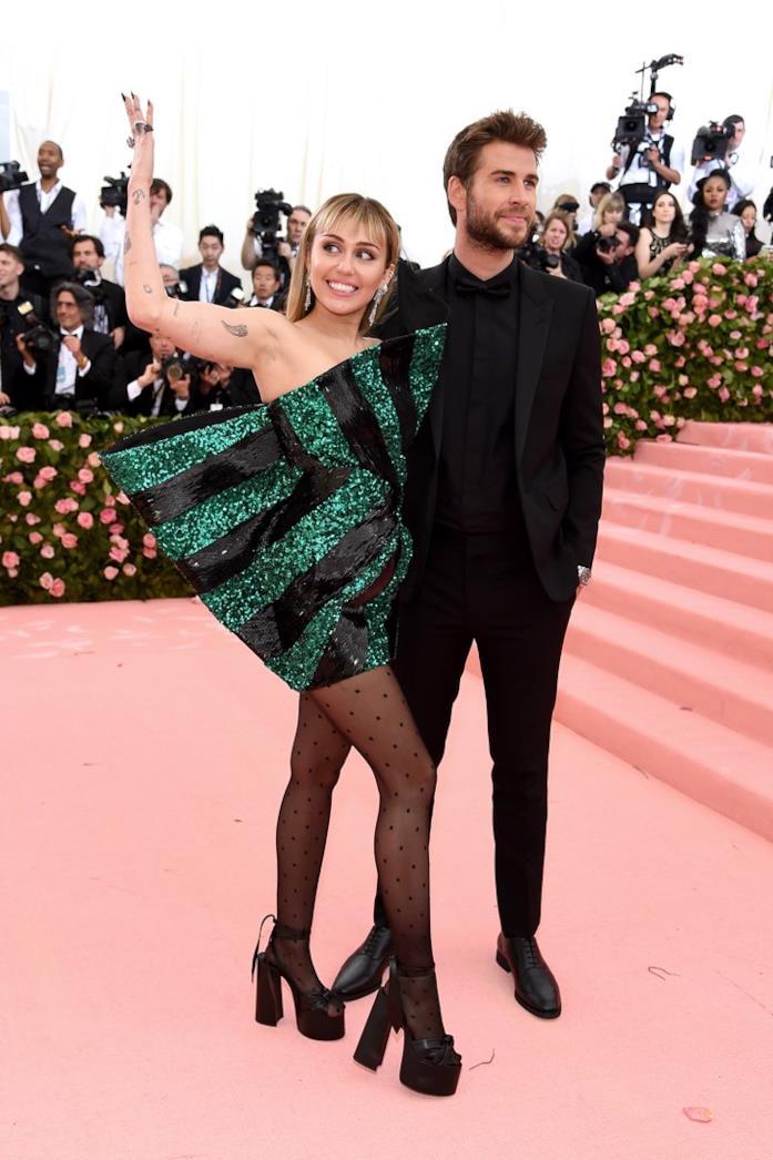 Miley Cyrus e Liam Hemsworth al MET gala 2019