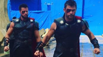 Thor ed il suo stuntman Bobby Holland Hanton sul set