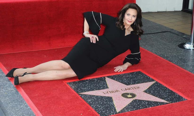 Lynda Carter e la sua stella sulla Walk of Fame