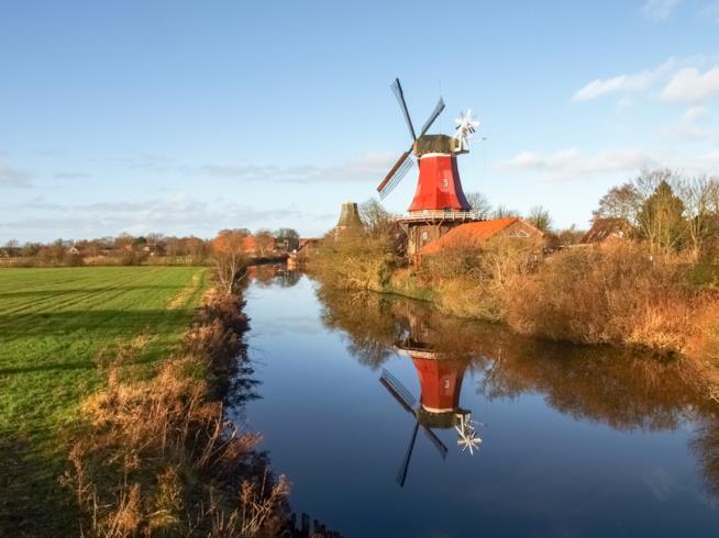 Paesaggio con mulino a vento dei Paesi Bassi