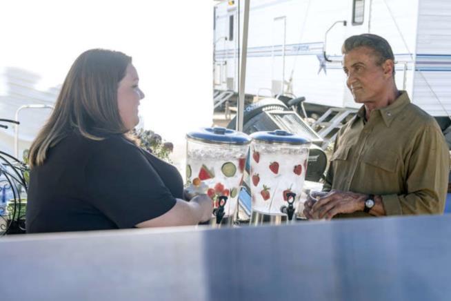 Kate e Sylvester Stallone in una scena di This is Us
