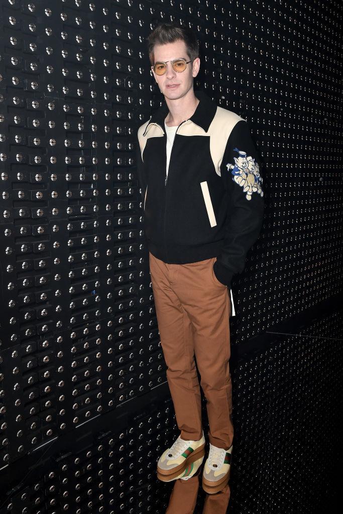 L'attore britannico Andrew Garfield da Gucci