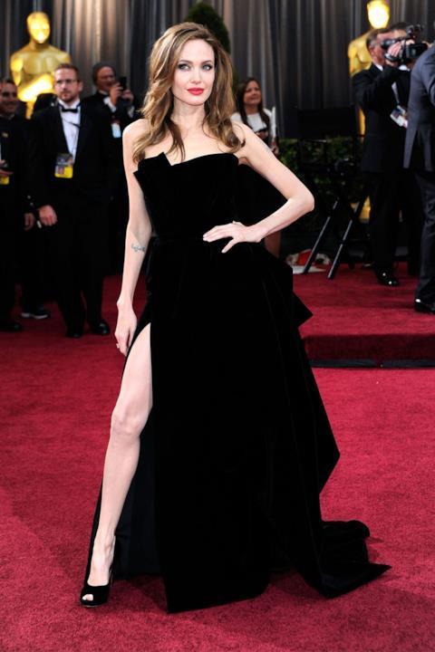 Angelina Jolie sul red carpet degli Oscar